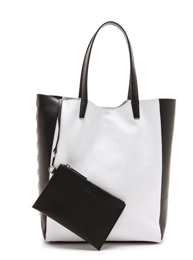 trendy-vs-spendy-blakc-and-white-bag