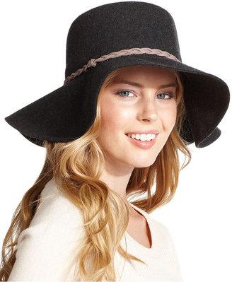 hair accessories: felt hat