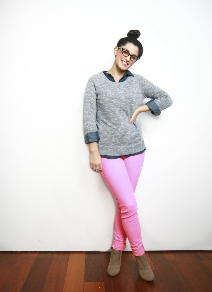 how-to-wear-pink-jeans