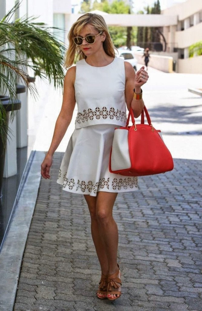 reese-witherspoon-casual-style-heads-to-the-office-in-beverly-hills-july-2014_5