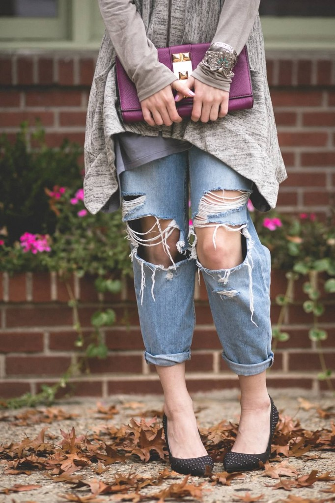 ripped jeans outfit idea