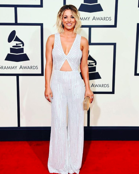 Kaley Cuoco grammy outfit 2016