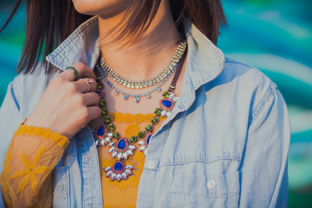 How to Layer statement neckaces