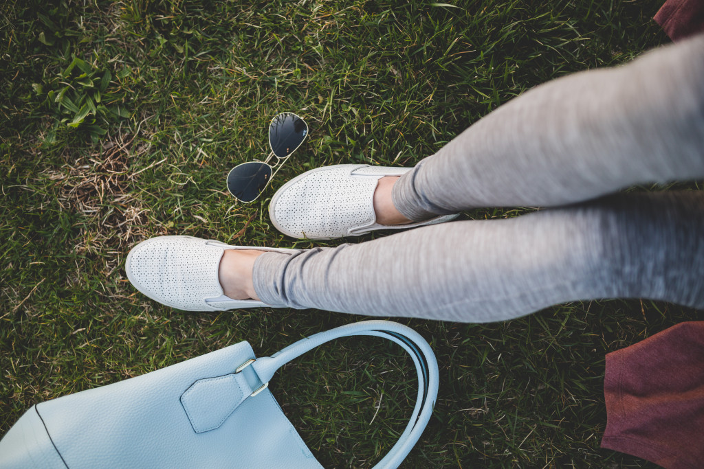 athletic style blogger accessories