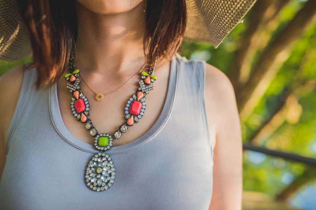 Lori Goldstein LOGO links necklace